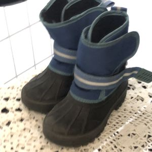 Toddler Insulated Snow Boots for Sale in Baldwin Park, CA