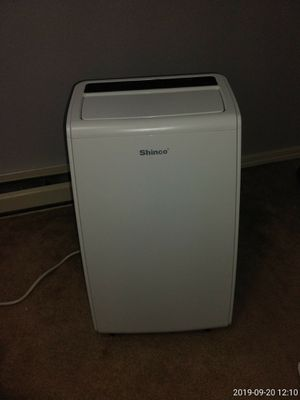 10,000 btu air conditioner/ dehumidifier for Sale in Mountlake Terrace, WA