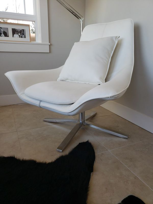 White Swivel Accent Chairs! 2 Matching