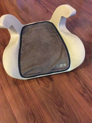 Evenflo car booster seat for Sale in Martinsburg, WV