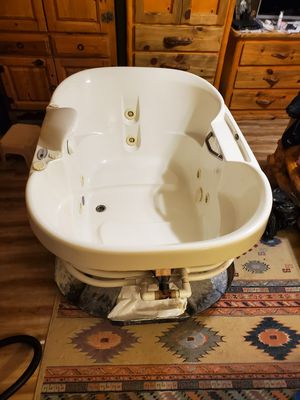 Awesome jacuzzi whirlpool hot tub spa bathtub for bathroom or other for Sale in Coral Springs, FL
