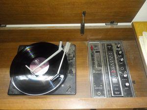 MC SEARS 1968 atrack record and am fm radio for Sale in Lawton, OK