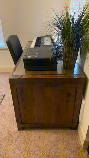 Large Desk for Sale in Kent, WA