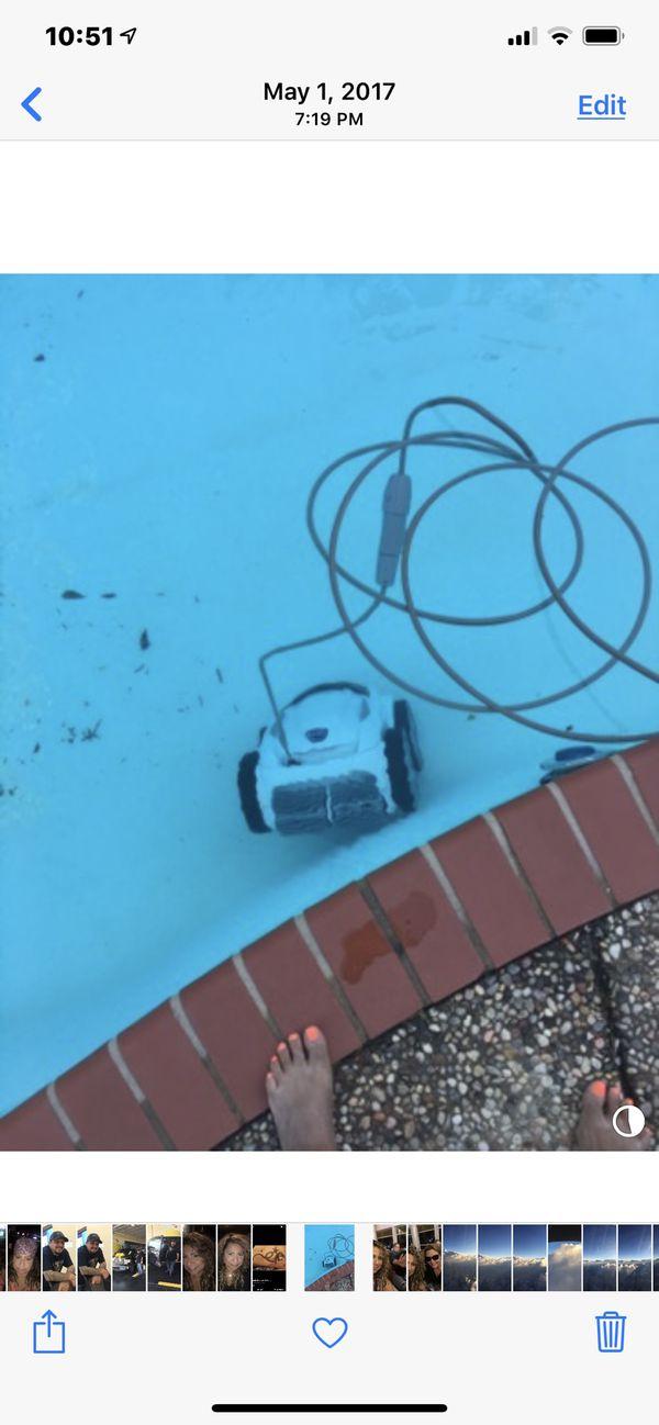 Swimming pool cleaner Polaris 965 IQ. PAID $1424.99