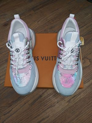 Louis vuitton sneakers size L for Sale in New York, NY