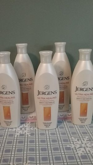 Jergens Ultra healing and heals moisturizer for Sale in Attleboro, MA