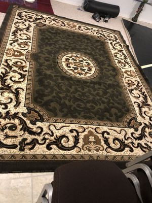 Large rug for Sale in St. Louis, MO