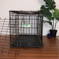 Dog Crate For Medium Size Dog With Divider for Sale in Burbank,  CA