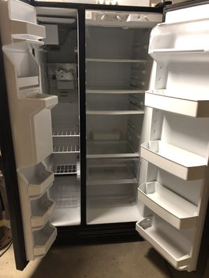 Whirlpool side by side refrigerator/ freezer. CASH only and must pick up. No delivery available. for Sale in Green Lane, PA