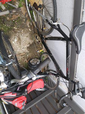 GMC DENALI 10 speed bike for Sale in Glendora, CA