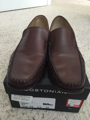 Bostonian men loafer sz 9 for Sale in Fairfax, VA