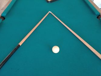 Brunswick Billiards Pool Table - Excellent Condition! for Sale in Mableton,  GA