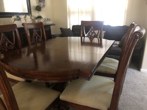 Dining table with 6 chairs for Sale in Berenda, CA