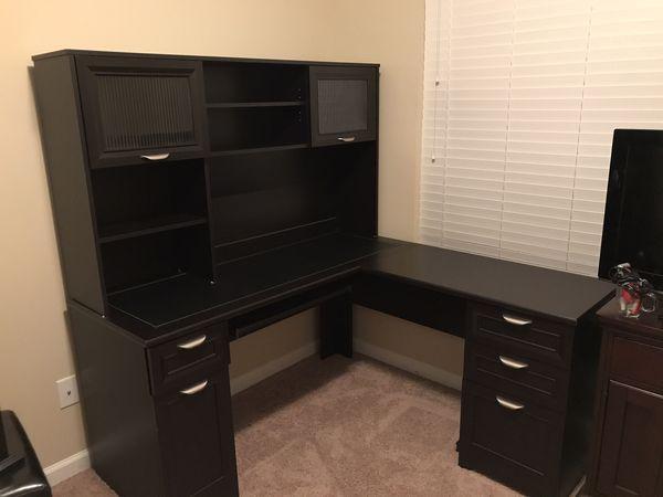 L Shaped Desk and Hutch
