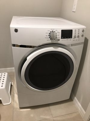 GE front load washer and dryer for Sale in Riverview, FL