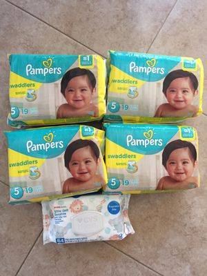 Pampers size 5t -and wipes 64ct $28 for Sale in Ceres, CA