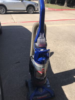 Hoover, wind tunnel 2 pet rewind - vacuum cleaner for Sale in Coppell, TX