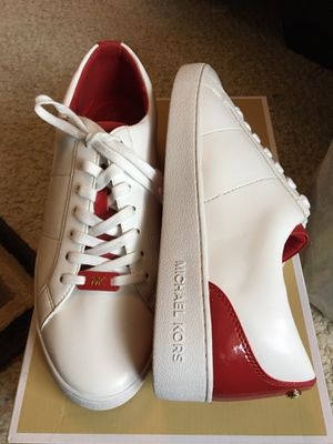 Authentic Michael kors sneakers size 10 new in box for Sale in Great Neck, NY