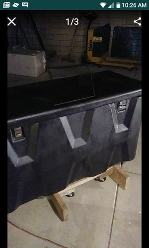 Tow bar and storage box for Sale in Hemet, CA
