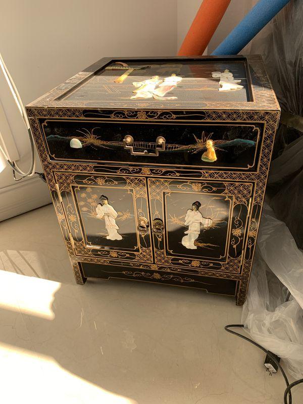 Furniture Oriental