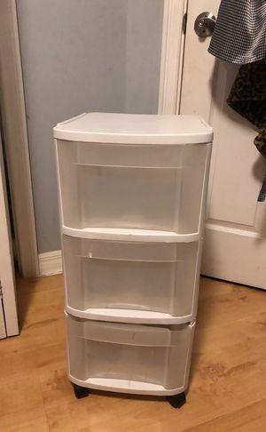 Plastic drawers (3) for Sale in Boynton Beach, FL
