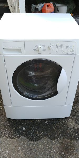 Kenmore white stackable Frontload super capacity washer for Sale in Bonney Lake, WA