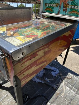 Bally rogo pinball machine for Sale in Phoenix, AZ