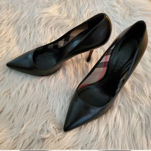 Burberry pointed heels for Sale in Milwaukee, WI