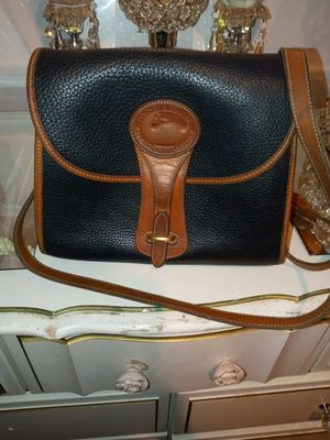 Dooney & Bourke Essex Bag for Sale in St. Louis, MO
