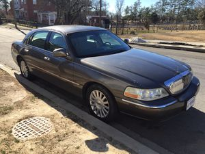 2003 Lincoln town car 102k miles clean inside out runs and drives 100% need nothing no check engine lights on $3500 for Sale in Washington, DC