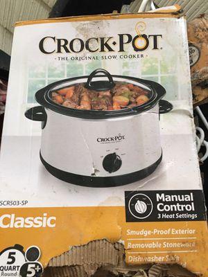 Brand new 5 quart crock pot, never used for Sale in Zephyrhills, FL