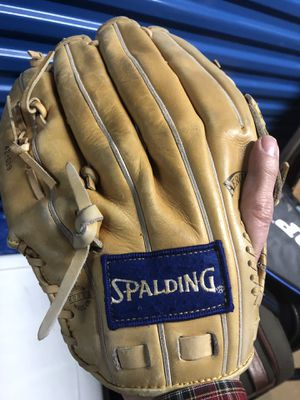 Spalding leather baseball glove for Sale in Arlington, VA