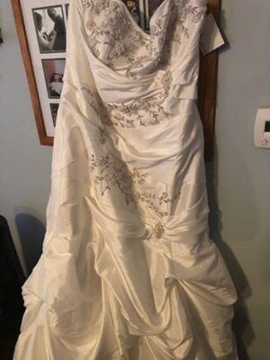 Wedding dress for Sale in Thornville, OH