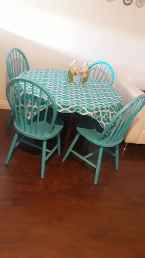 Table with 4 chairs and cover for Sale in Anaheim, CA