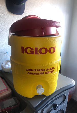 Igloo water cooler for Sale in Denver, CO