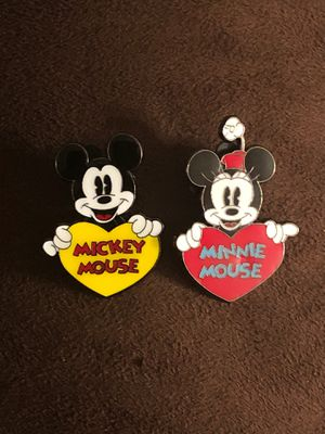Disney's Mickey & Minnie Mouse Holding Hearts Trading Pins for Sale in Davenport, FL