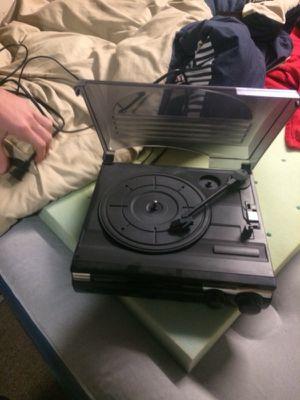 3speed turntable built in speakers n speed adjustment for Sale in Lynchburg, VA