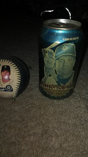 Edgar Martinez base ball and Pepsi can un opened but their is nothing in it also have ken grfy Jr and Mike piazza for Sale in Renton, WA