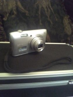 Nikon Coolpix S3700 20.1MP Digital Camera for Sale in Aurora,  CO