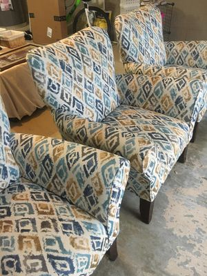 Comfy Accent Chair for Sale in Raleigh, NC