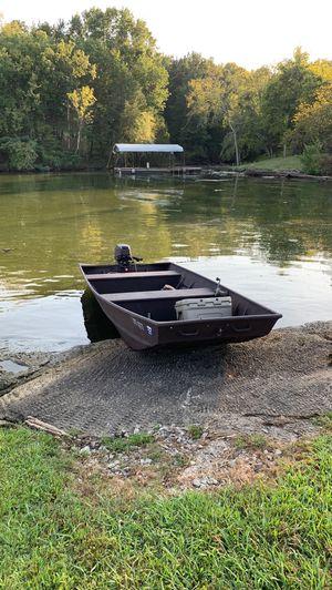 Alumacraft 1542 Duck Boat & 15HP 2-stroke mercury for Sale in Gallatin, TN