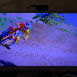 32 Inch Full HD Tv With 2nd Gen Chromecast for Sale in Wesley Chapel, FL
