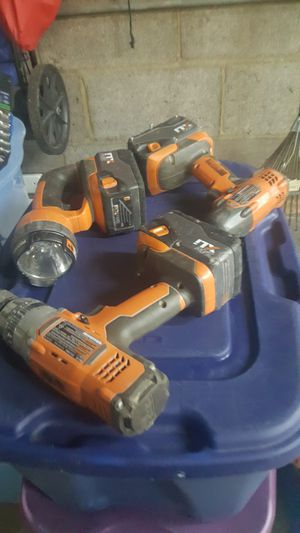 5 piece varies tool items with 1 charger 1 battery for Sale in Chicago, IL