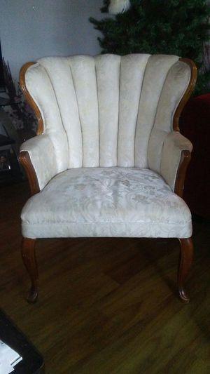 Scallop chair for Sale in Globe, AZ