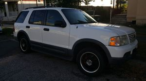 2003 ford 4×4 explorer Xlt for Sale in Bridgeport, CT