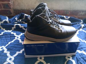 Boots size 11 for sale only wore once for$20 winter special for Sale in Atlanta, GA