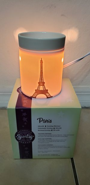 Scentsy Paris Effel Tower wax warmer for Sale in Miami, FL