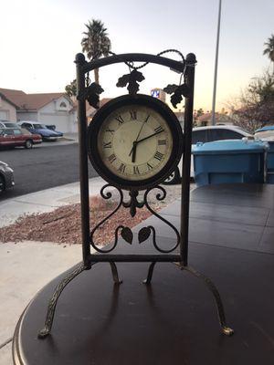 Antique clock for Sale in Las Vegas, NV