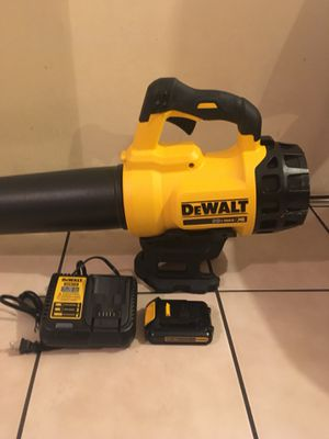 Dewalt blower battery in charger bran new for Sale in Los Angeles, CA