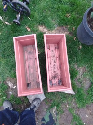 2 Planter boxes for Sale in OR, US